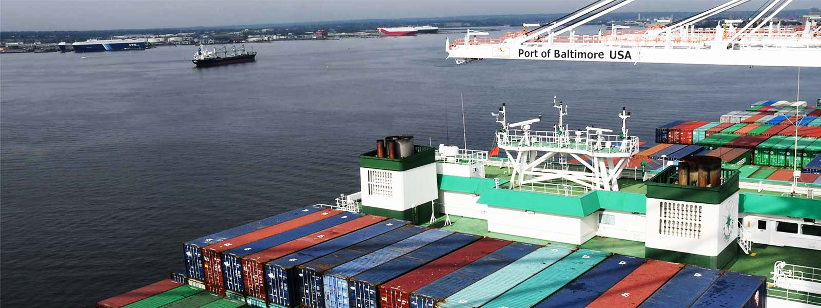 WTCI State of the Ports 2018 - Photo of ships with containers (from WTCI website)